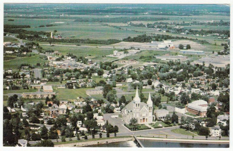 Quebec postcard.jpg