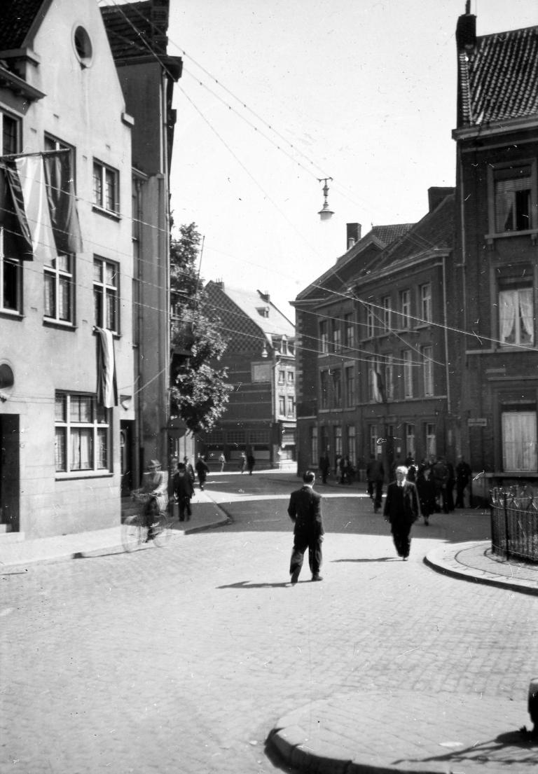 Street_scene_in_Holland,_post-WWII_(5139916669)